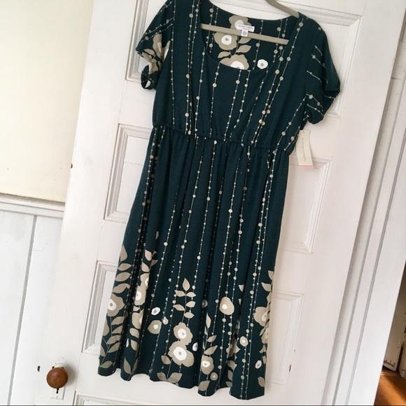 Dresses & Skirts - Liz Lange Maternity Dress - Large